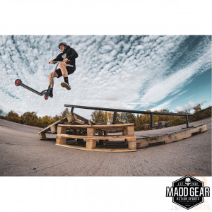 Madd Gear Grind Rail - Black - Lifestyle 3 - MGP207-135